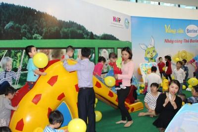 Trẻ được vui chơi với nhiều trò chơi vận động bổ ích